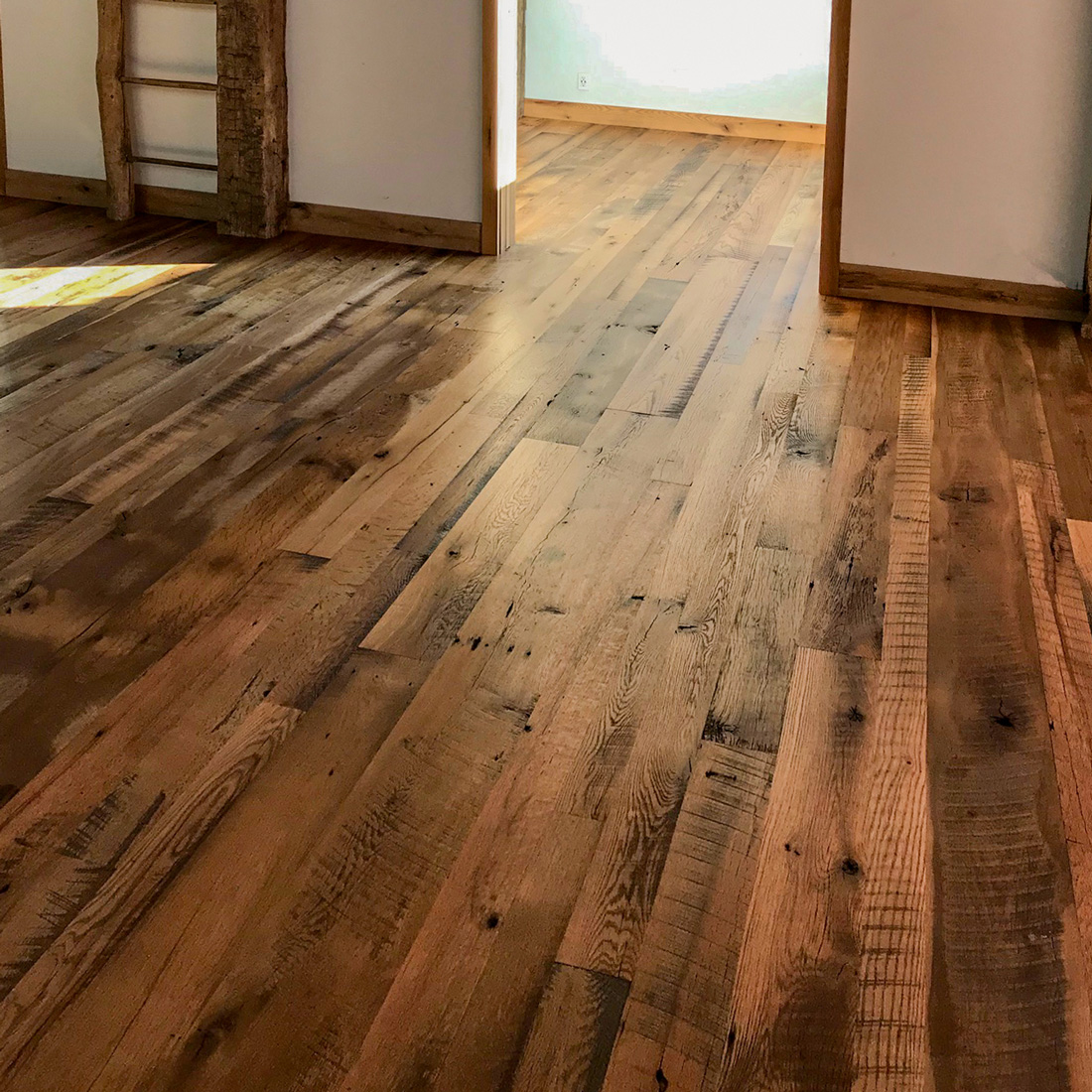 Skip-Planed Reclaimed Oak Flooring